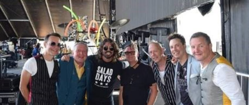 SURPRISE: DAVE GROHL OF THE FOO FIGHTERS JOINS SQUEEZE ONSTAGE AT THE BOURBON & BEYOND FESTIVAL IN LOUISVILLE, KY